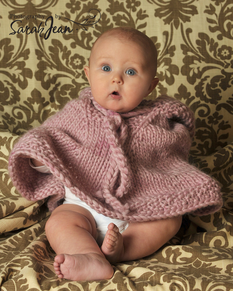 Knitted Baby Poncho Pattern : Bebe Fashion   Adorable Baby Ponchos You Can t Resist!
