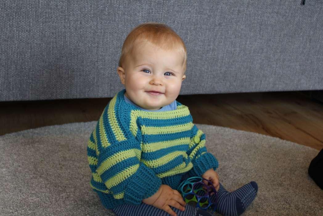 bb933652590a Bebe Fashion » Pretty Little Baby Sweaters